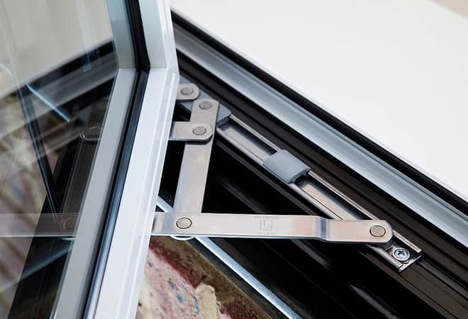 Strong window hinges